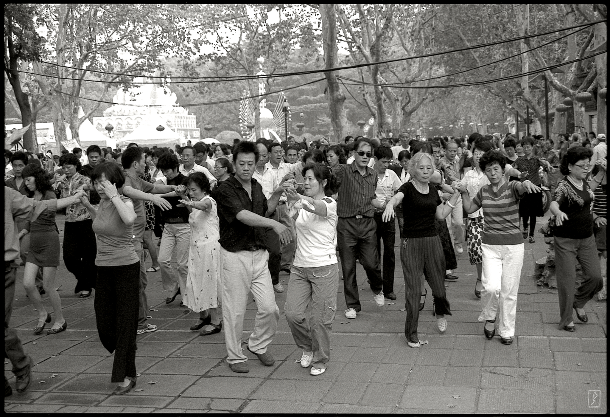 Lu Xun park (鲁迅公园): Public dance group.
